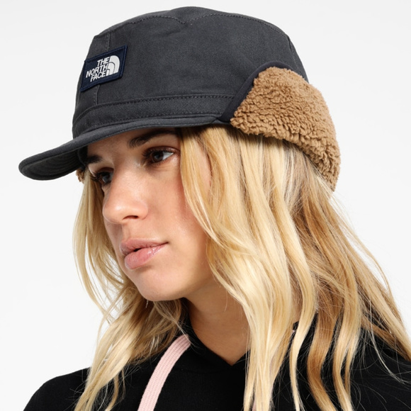801a76495 🆕 The North Face Ladies' Campshire Earflap Cap NWT